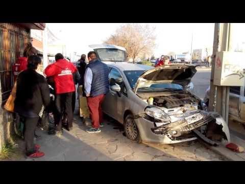Una mujer resultó herida en un choque en Lastra y Gatica