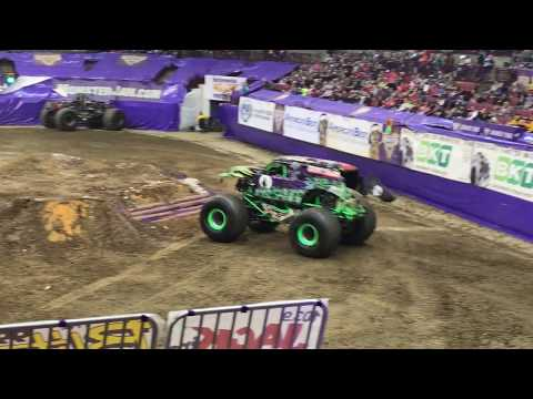 Columbus 2017 - Grave Digger WINNING Freestyle (Saturday Night)