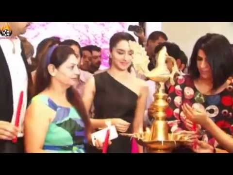 Shraddha Kapoor - Unveiling Of 'India's Largest Jewelery Expo 'Glamour 2015'