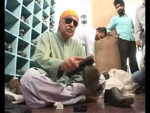 Pakistan deputy attorney-general to clean shoes at Amritsar Golden Temple