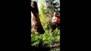 видео Как научиться метать топор: секретный бросок индейцев
