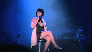 Showcase Mistinguett, Reine des Années Folles - Carmen Maria Vega, Oser les larmes