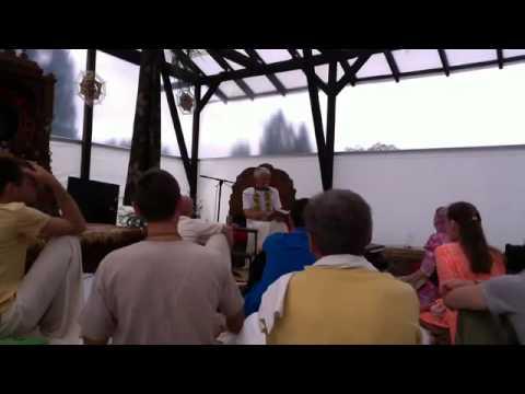 Чайтанья Чаритамрита Мадхья 3.70-182 - Чайтанья Чандра Чаран прабху