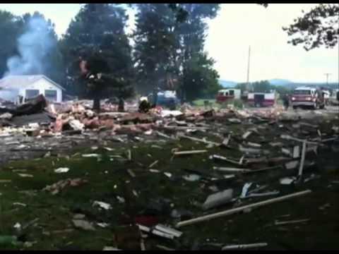 House explodes in Salem