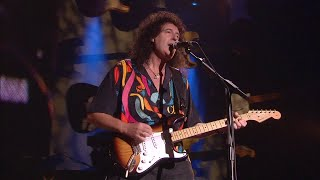 Brian May with the Strat Pack at 50 Years of the Fender Stratocaster Concert (2004)