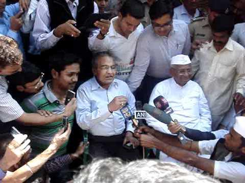 Anna Hazare in Jindal Naturecure Institute in Bangalore