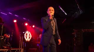 Living In A Box Ft. Kenny Thomas - Room In Your Heart (Live Butlin's Bognor Regis)
