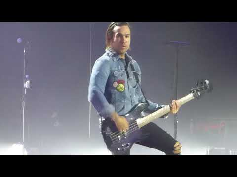 Fall Out Boy - Stay Frosty Royal Milk Tea - Live @ Forest National, Bruxelles, Belgium - 12 04 2018