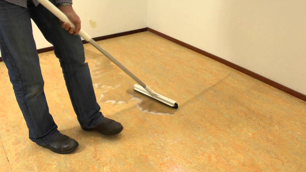 Marmoleum vloer schoonmaken