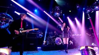 Carly Rae Jepson - Call Me Maybe - Top of the Pops 25-12-2012 HD.