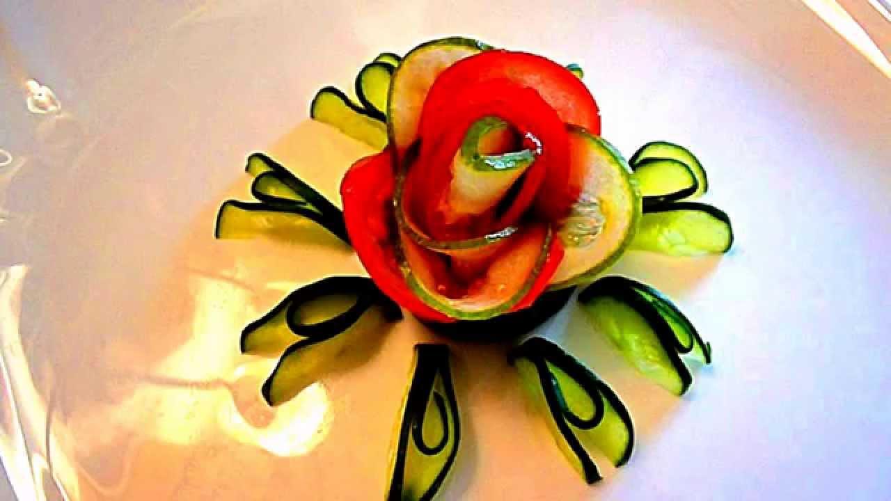 Как сделать цветок из помидора.