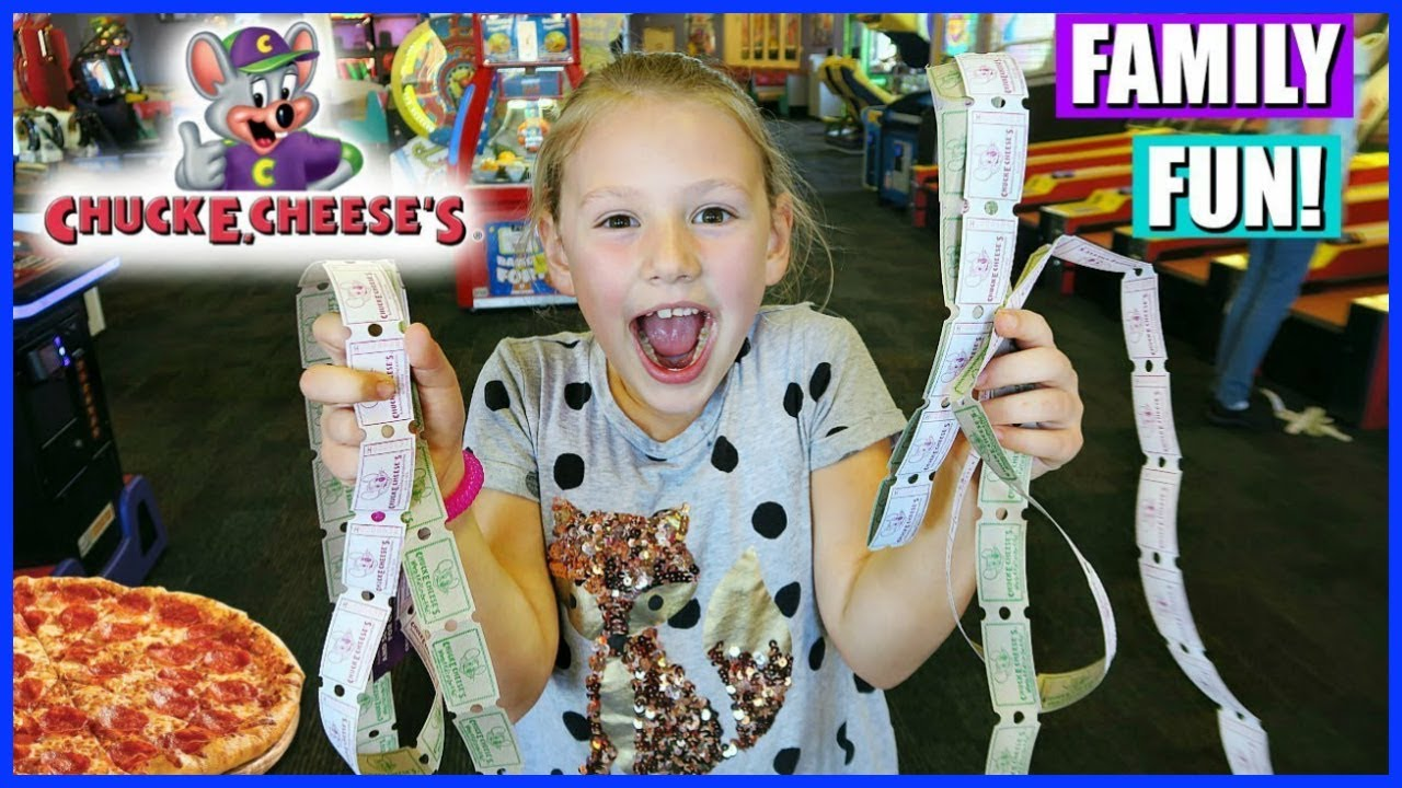 family-fun-playing-games-at-chuck-e-cheese