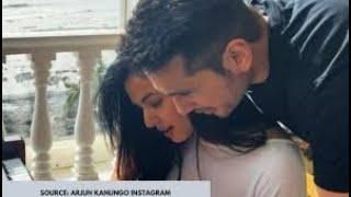 Gambar cover Fursat Hai Aaj Bhi(Official Video)-Arjun Kanungo|Sonal Chauhan| Latest Hindi Song 2020