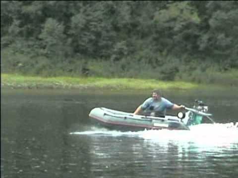 Возможности катера с водометом, участки суши ему не страшны - YouTube