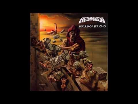 Helloween - Metal Invaders LYRICS ON SCREEN