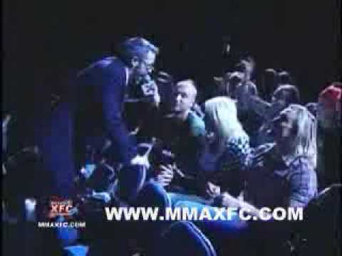 Wrestling-Online.com - Nick and Linda Bollea at XFC getting booed