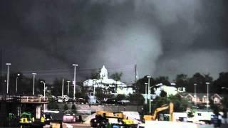 Tornado in Tuscaloosa thumbnail