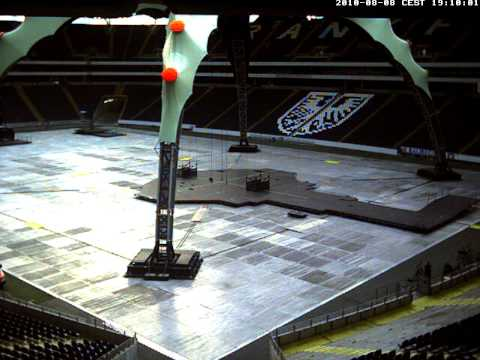 U2 Frankfurt stage build webcam 1