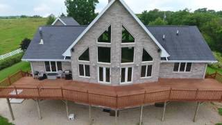 Stunning 4 bedroom, 2.5 bath home on a 45+ acre property / near Bellevue Iowa