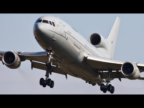 The Legendary Lockheed Tristar L1011 - Touch & Go, Approach, Departure, Go around (HD)