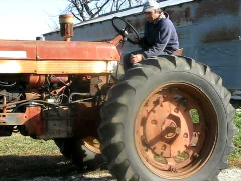 IHC International Harvester Co Farmall 560 Tractor