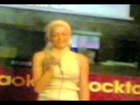 pili X monica naranjo en karaoke casa blanca (prat)