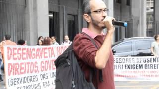 Professores da Uerj cobram negociação na Seplag, em 2/7/2015