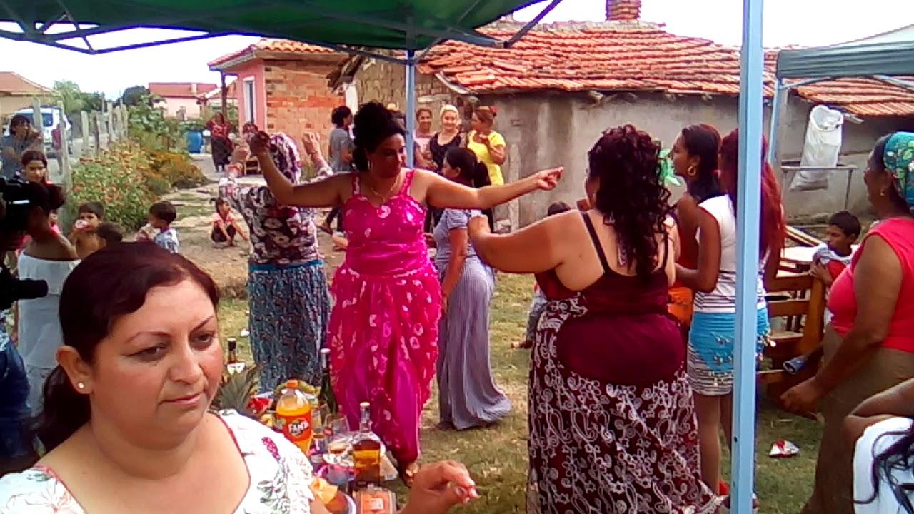 (ВИДЕО) - Сватбено тържество в град Стралджа! - Евала, баткоу!