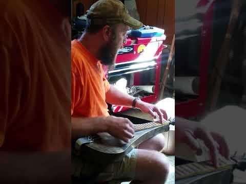 Dewdrop Strummer Lap Guitar