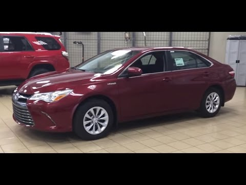 2017 Toyota Camry Le Hybrid Review