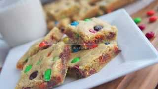 Chewy M&M Cookie Bars Recipe