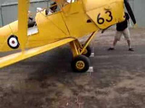 Tiger Moth A17-63 Start