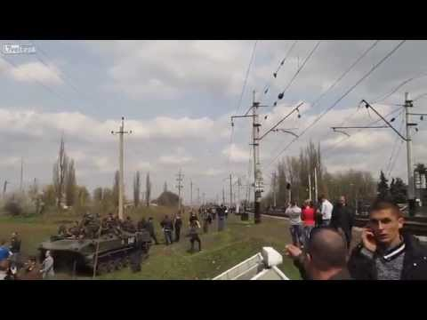 Ukrainian jet fighter trying to scare of civilians [4/16/2014 Slovyansk HD]
