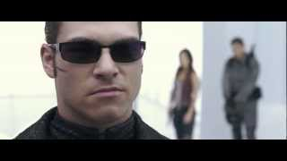 Resident Evil AfterLife. Chris, Claire & Alice VS Wesker. Fight Scene. HD 1080p.