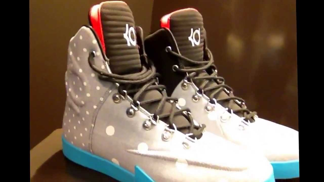 Nike KD VI NSW Lifestyle Hands-On