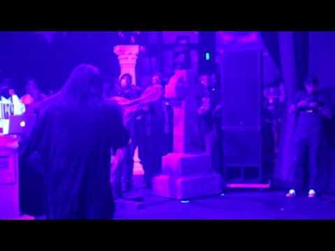 Bones - TakingOutTheTrash (Live in LA, 4/28/17)