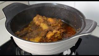 Bahan-bahan : Ayam digoreng dengan kunyit dan garam. Bahan kisar: Bawang putih 2 Bawang besar 2 Serai 1 tangkai Bahan-bahan lain: Kulit kayu manis ...