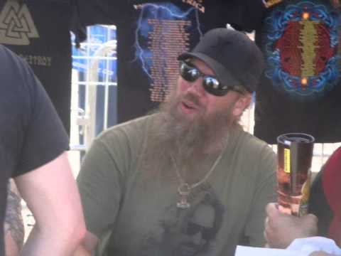 Metallica, Comi-Con -- Amon Amarth Interview -- Eddie Van Halen to play with LL Cool J -- Elitist EP