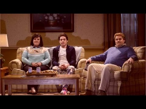 'SNL': Bobby Moynihan, Vanessa Bayer get send-off in graduating sketch