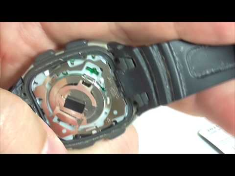 Как вынуть батарейку в электронных часах CASIO?