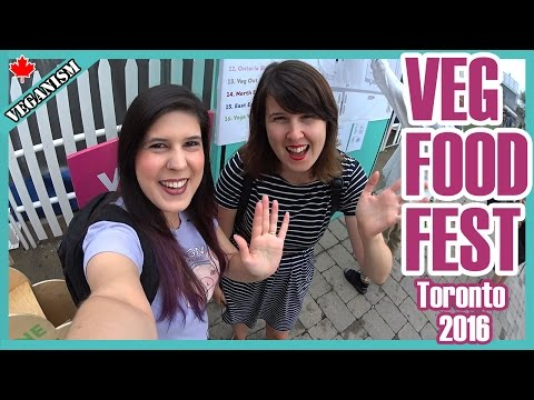 The Largest Vegan Food Festival in North America | Veganos Provam Comidas no Exterior