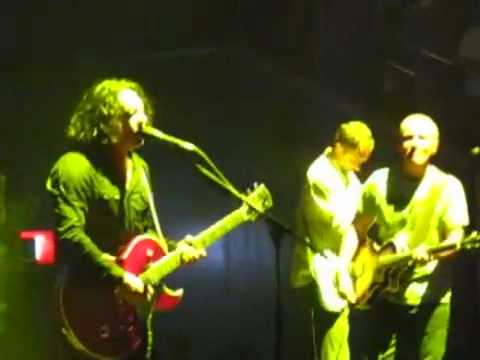 Tears for Fears - Roland Orzabal on falling for a girl half his age LIVE IN MANILA