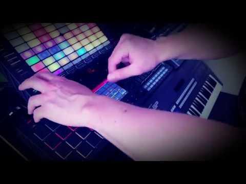 Akai MPC Live Force -  G.R.O.V. System XL Live Techno Trance