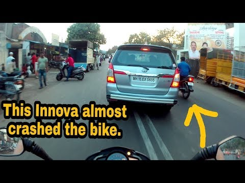 Punekars obeying Signal Laws😊   Innova almost hit the Biker   Pune daily vlogs   Katty'sRide