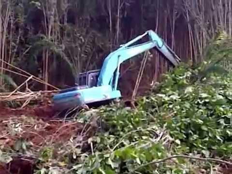land clearing menggunakan excavator