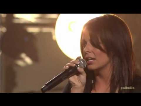 Maroon 5 & Sara Evans  Leather and Lace