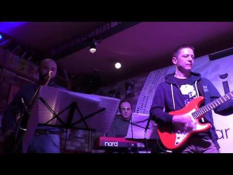 Алексей Заволокин и Bass History - Level 42. Medley. Vol.2 (Mark King) @ Hidden bar 25.03.2015
