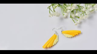 Video Tutorial on How to Make a Pair of Easy Quilling Paper Earrings