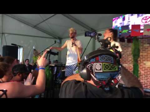 Sofi Tukker - Fuck They - LIVE Lollapalooza 2017 (Toyota Music Den)