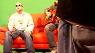 Collie Buddz - Mamacita Live Riddim Up on the Green Screen
